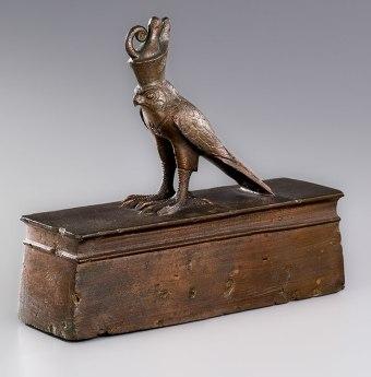 Egypt_Hawk_Mummy_Coffin